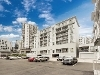 Picture Superb queen street location spacious 2brm...