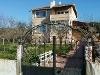 Fotoğraf Boğaz manzarali bahçeli̇ masrafsiz ev