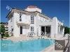 Fotoğraf Geniş ailelere özel havuzlu villa