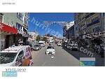 Fotoğraf İzmi̇tte ana cadde üzeri̇nde köşe bi̇na