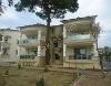 Fotoğraf Havuzlu si̇te i̇çeri̇si̇nde hari̇ka yazlik evler