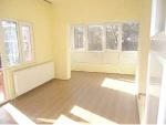 Fotoğraf Karşiyakada 2+1 kat 80 m2 kombi̇li̇ salona...
