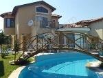Fotoğraf Kuşadasi'nda havuzlu full eşyali 4+1 müstaki̇l...