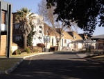 Photo Lovely 2 Bedroom Apartment in Secure complex in...
