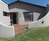 Photo 4 bedroom House For Sale in Humansdorp for R...