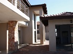Photo Immaculate home in thorn valley estate offers...