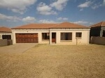 Photo Town House for Sale. R 729 000: new...
