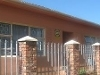 Photo As neat as a pin 4 bedroom home in uitenhage -...