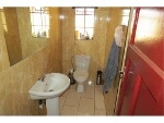 Photo R2,000,000 | 3 Bedroom House For Sale in Golf View