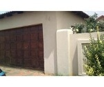 Photo 3 bedroom House For Sale in Dawn Park for R 750...