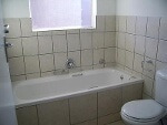 Photo 2 Bedroom House For Sale in Roodepoort