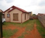 Photo 2 bedroom House For Sale in Dawn Park for R 450...