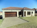 Photo Beautiful Family Townhouse in complex in Witbank