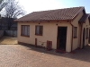 Photo Neat, Cute and Cosy House in Delville Germiston...
