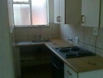 Photo Rosettenville small open plan bachelor flat to...