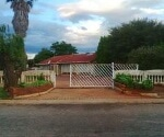 Photo 2 bedroom House For Sale in Dawn Park for R 680...