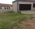 Photo 3 bedroom House To Rent in Jackaroo Park for R...