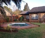 Photo 3 bedroom House For Sale in Dawn Park for R 860...