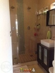 Photo Light Airy 2 bedroom apartment with side...