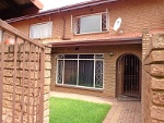 Photo Townhouse in florida, roodepoort for r 550 000