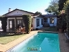 Photo Charming 2 Bedroom House with Pool in Parkhurst.