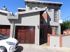 Photo Townhouse In Die Hoewes, Centurion