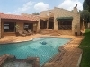 Photo House to let available in fairland, randburg