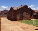 Photo 3 bedroom House For Sale in Dawn Park for R 590...
