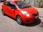 Photo Red Toyota Yaris 1.3 T3 5-door (AC) with...